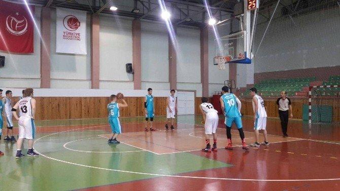 Yıldız Erkekler Basketbol Kulüp Maçları Başladı