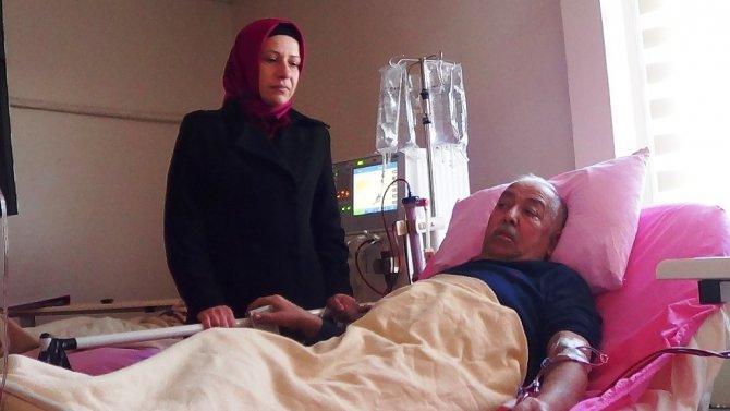 Böbreğini eşine verebilmesi için SGK'nın Hepatit C ilacını ödemesi gerekiyor