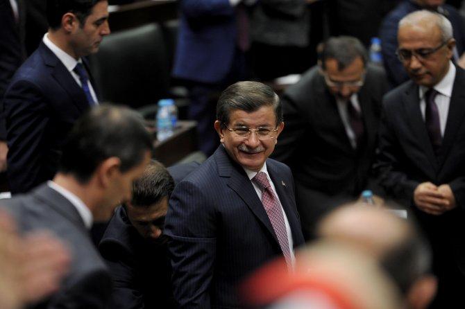 Davutoğlu: Biz masaya Kürtlerin değil, YPG'nin, PYD'nin oturmasına karşıyız