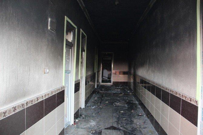 Şanlıurfa'da 20 Evi Yağmalayıp Ateşe Verdiler