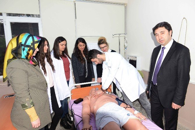 BÜ'deki Eğitimlerde 'Robot Hasta' Dönemi