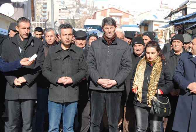 Hakkari'de Cizre için oturma eylemi düzenlendi