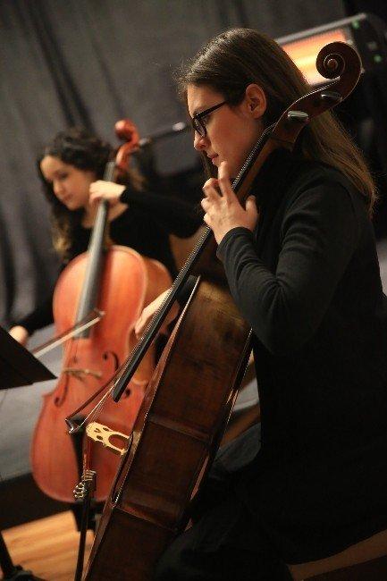 Uğur Mumcu Buca'da Konserle Anıldı