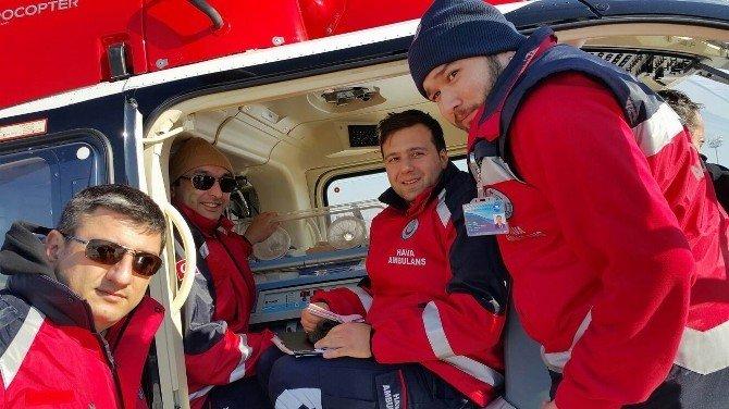 Ambulans Helikopterler 5 Aylık Bebek İçin Havalandı