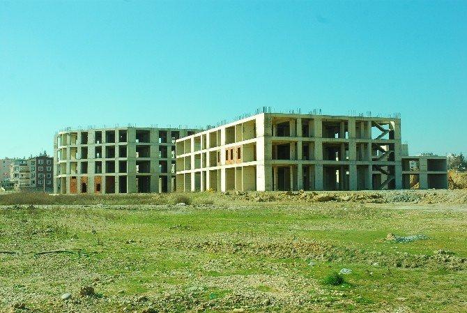 Manavgat Belediyesi Ait Yarım Kalan Hastane Binası Akdeniz Üniversitesi'ne Devredilecek
