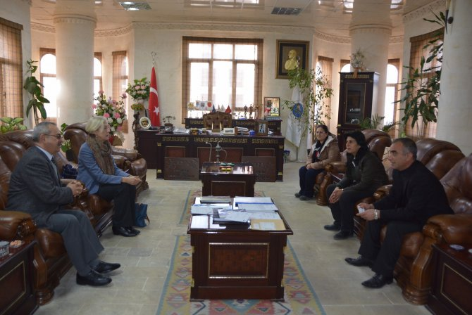 ABD Adana Başkonsolosu, Nusaybin Belediyesi'ni ziyaret etti
