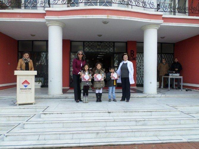 Bahçeşehir'de Akustik Sahne Performansları
