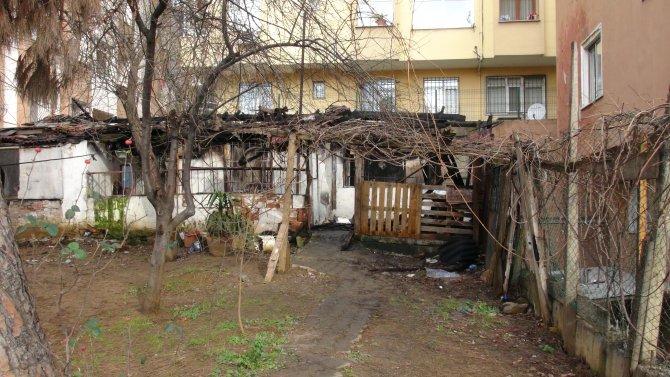 Gecekondu yangınında bir kişi hayatını kaybetti