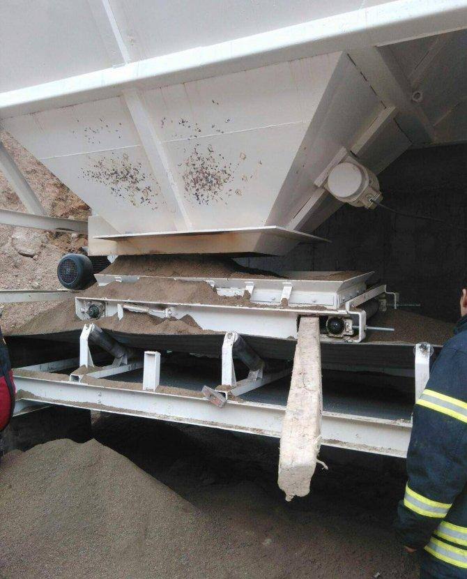 Kum silosu içine düşen işçi hayatını kaybetti