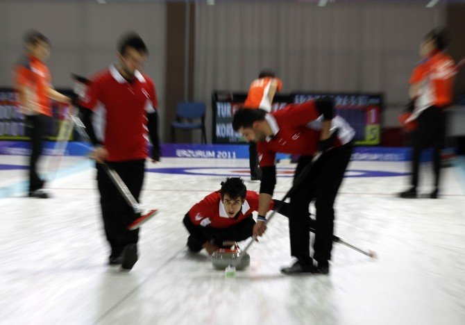 """Vali Altıparmak """"Curling Federasyonu Kararını Gözden Geçirmeli"""""""