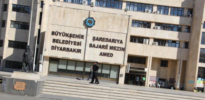 Diyarbakır'da belediye otobüsleri Sur için kontak kapattı