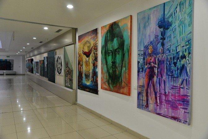 Tepebaşı Hizmet Binası Sanat Galerisi Gibi