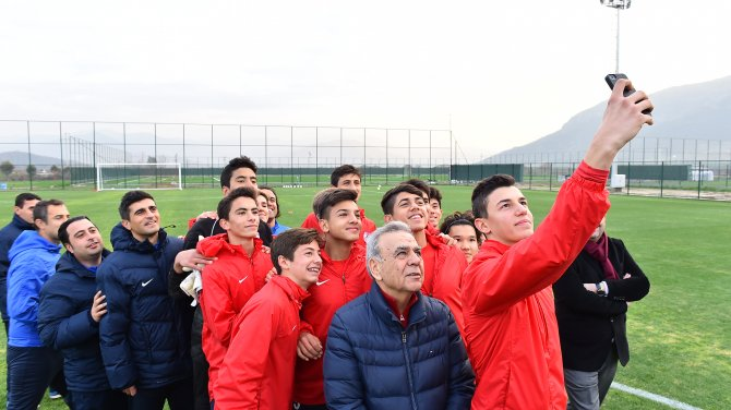 Başkan Kocaoğlu Altınordu tesislerini ziyaret etti