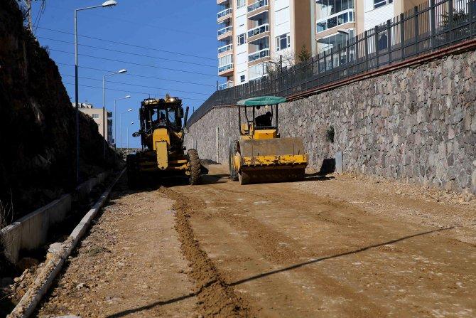 Karşıyaka Belediyesi Mustafa Kemal Mahallesi'nde yeni cadde açtı
