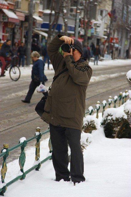 Fotoğraf Makinenize Kar Suyu Kaçtıysa