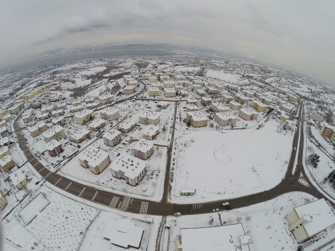 Başiskele Kar Yağışına Yenilmedi