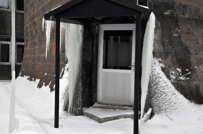 Kars'ı Sibirya Soğukları Vurdu