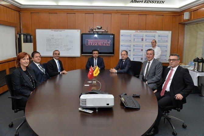 Vali Güzeloğlu'ndan Türk Pirelli Lastik Fabrikasına Ziyaret