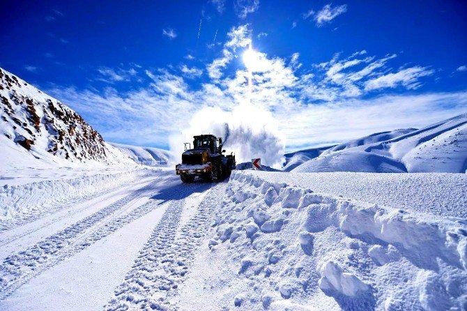 Kar Mücadelesi Devam Ediyor