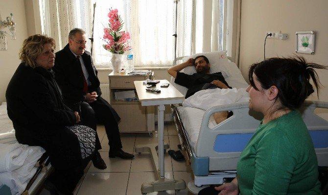 Kahraman Polise Geçmiş Olsun Ziyareti