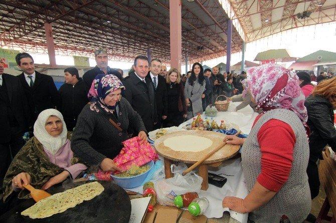 Menderes'te Kurulan Köy Pazarıyla Kadınlara Destek