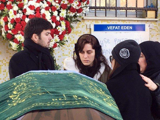 Ekrem Pakdemirli'nin Kızına Gözyaşlarıyla Veda
