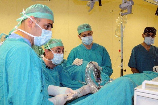 OMÜ'de Canlı Ameliyatlı Kurs