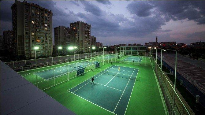 Selçuklu Belediyesi Tenis Kortu Hizmete Açıldı