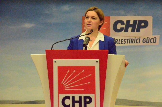Böke: PYD'nin Başkanı'nı Ankara'ya davet etmek teröre yataklık değil mi?