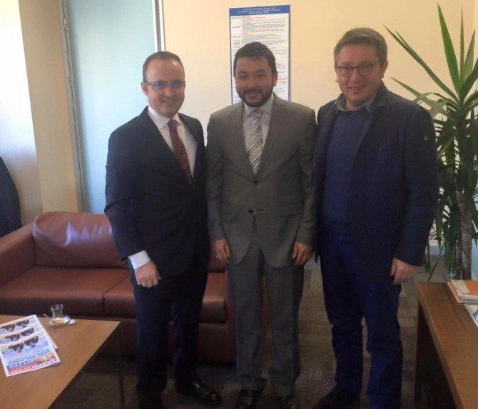 Turan İstanbul İl Başkanlığı'nı Ziyaret Etti