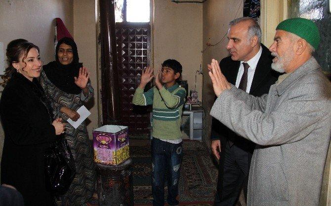 Zorluoğlu Çiftinden, Suriyeli Ailelere Ziyaret
