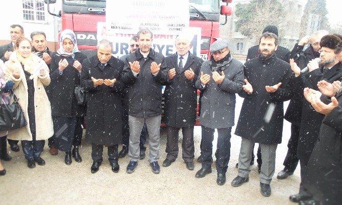 Altınova'dan Bayırbucak Türkmenlerine Yardım