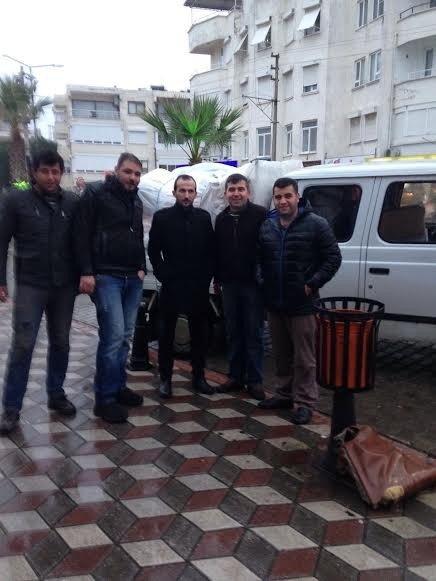AK Parti Edremit'ten Bayır Bucak Türkmenlerine Yardım