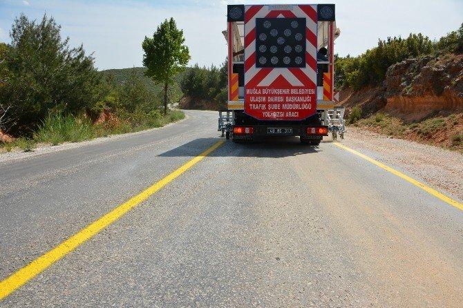 Büyükşehir 924 Km Yol Çizgisi Çalışması Yaptı