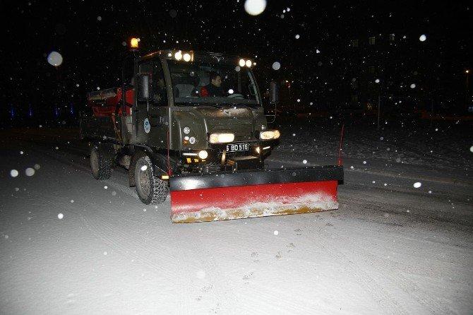 Odunpazarı Belediyesi'ndan Karla Mücadele İçin 400 Kişilik Ekip
