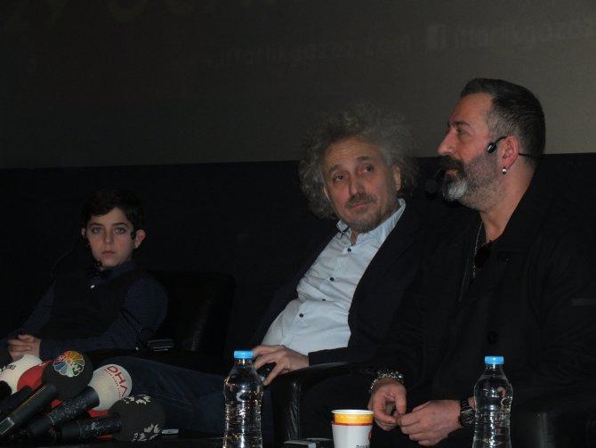 Cem Yılmaz, 'İftarlık Gazoz'da konuk oyuncu' iddialarına cevap verdi