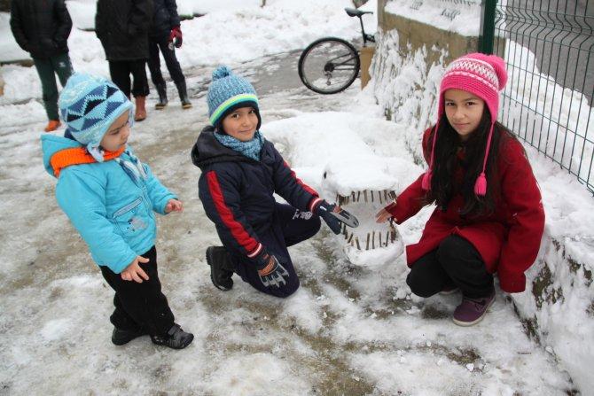 Torunlara karne hediyesi kardan timsah ve köpekbalığı