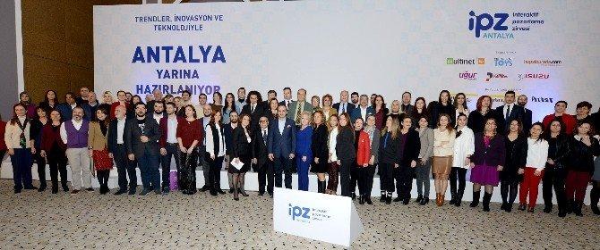 "Antalya Kültür Sanat'a ""Antalya'ya Değer Katan Marka"" Ödülü"