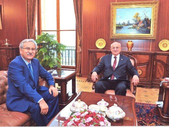 BÜ Rektörü Kaplan'dan TBMM Başkanı Kahraman'a Ziyaret
