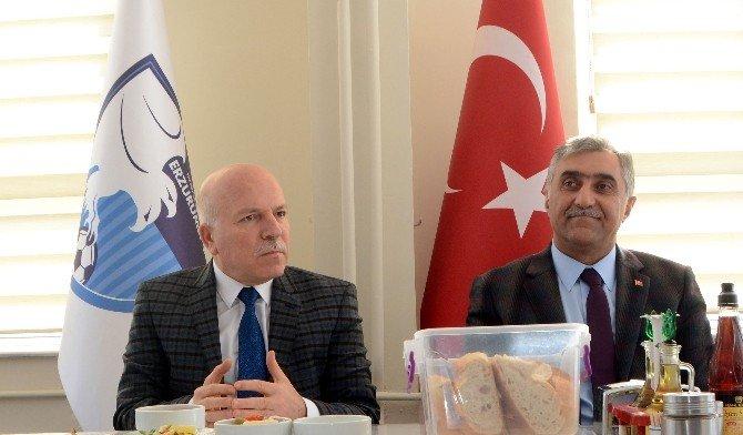 """Sekmen, """"Bb Erzurumspor'u Üst Liglere Taşımak İstiyoruz"""""""