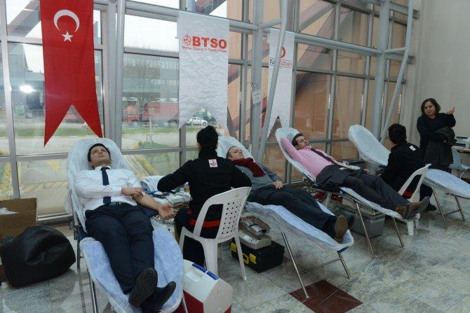 BTSO üyeleri Kızılay'a kan bağışladı