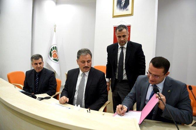 Büyükşehir Belediyesinde Toplu İş Sözleşmesi İmzalandı