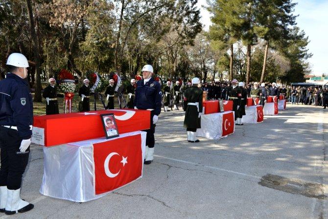 Sur'da şehit olan 5 güvenlik görevlisi için tören