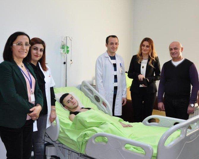 Gürcistan'da Düşme Sonucu Boynu Kırılan Genç, Trabzon'da Tedavi Gördü