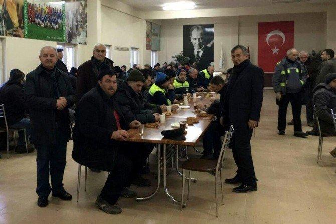 Fen İşleri Çalışanlarına Kahvaltı Sürprizi