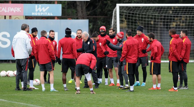 Galatasaray'da kupa mesaisi sürüyor