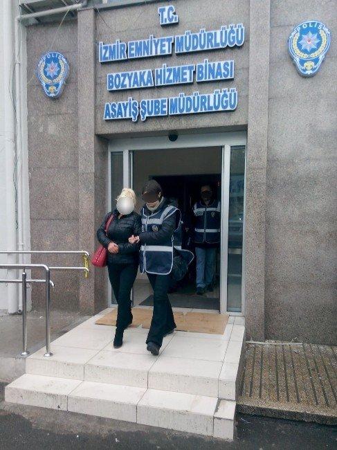 İzmir'de Gece Kulüplerine Baskın