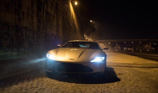 James Bond'un Aston Martin'i açık artırmada