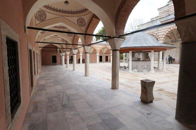 Zal Mahmut Paşa Camii Yapılan Restorasyonla Ödüle Layık Görüldü