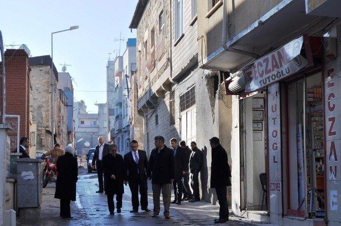 Vali Tapsız, Roketin Düştüğü Türbedar Sokakta İncelemede Bulundu